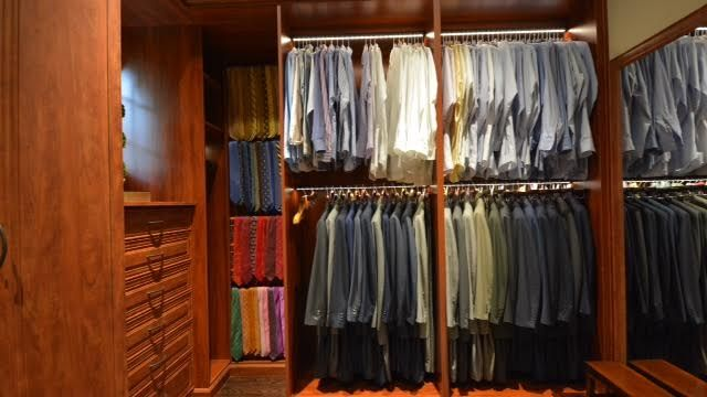 Best Way To Organize Clothing In A Closet